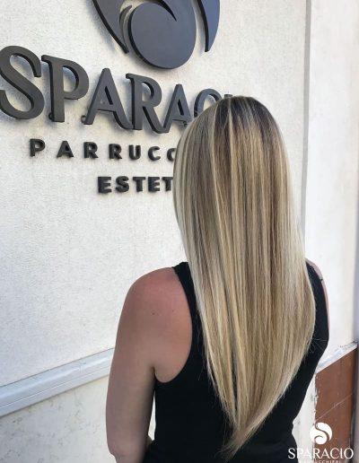 balayage chiaro biondo capelli lisci lunghi sparacio parrucchieri