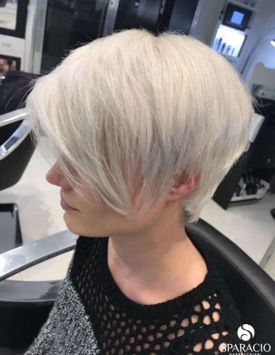 colore bianco white taglio corto ciuffo sparacio parrucchieri