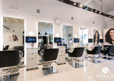 interno postazioni specchio salone loreal professionnel concept saloon emotion sparacio parrucchieri