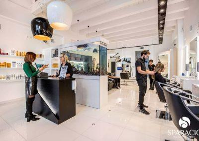 panoramica team al lavoro presso salone loreal professionnel concept saloon emotion sparacio parrucchieri