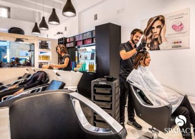 team al lavoro presso salone loreal professionnel concept saloon emotion sparacio parrucchieri